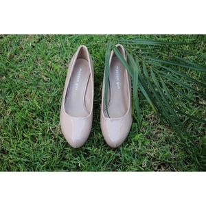 Nude Madden girl pumps
